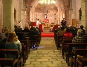 El rector de Gualba ha oficiat aquest diumenge la missa de la Festa Major d'hivern, després que els Bombers han comprovat que ja no hi havia monòxid de carboni a l'interior del temple ACN