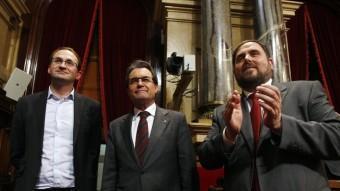 Joan Herrera, Artur Mas i Oriol Junqueras després de l'aprovació de la declaració de sobirania al Parlament ORIOL DURAN