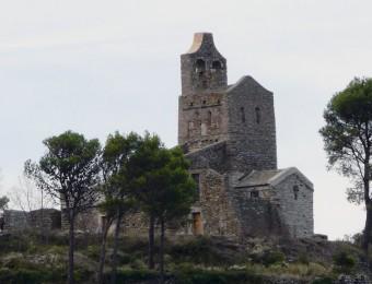 L'arribada dels pelegrins serà al poblat de Santa Creu, davant l'església de Santa Helena de Rodes. EL PUNT AVUI