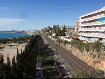 Les vies a Tarragona on s'hauran d'afegir els dos carrils per a mercaderies del tercer fil ferroviari JOSÉ CARLOS LEÓN