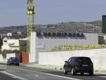 Planta d'Hormipresa a l'entrada de la localitat de Santa Coloma de Queralt.  ARXIU