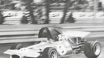 Jack Brabham, al volant d'un Brabham-Ford als segons entrenaments lliures del Gran Premi de Mònaco de F-1, l'any 1970. JOSEP CASANOVAS