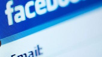 Els mòbils són els principals aliats dels adolescents a l'hora de connectar-se a les xarxes socials AFP