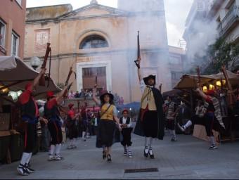 Un dels espectacles de la Fira Terra de Bruixes i Bandolers que es fa a Arbúcies el mes d'abril. EL PUNT