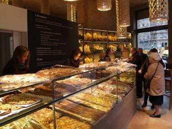 La botiga de l'avinguda Gaudí de Barcelona.  L'ECONÒMIC