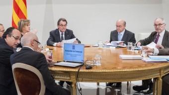 Un moment de la cimera anticorrupció, amb Mas al capdavant JOSEP LOSADA