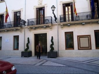 Façana de l'Ajuntament de Xixona. SARA DÍEZ