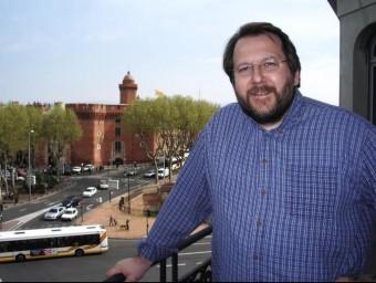 Pere Codonyan a la finestra de la delegació de TV3 a Perpinyà