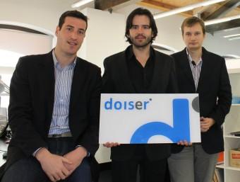 Ignasi Comellas, Òscar Puig i Daniel Otero, a la nova seu de Doiser ubicada a Terrassa.  JORDI ALEMANY