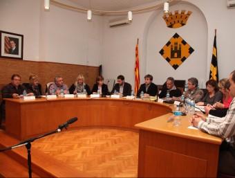 El ple de Vidreres, celebrat ahir, va debatre sobre el presumpte micròfon amagat al despatx de l'alcalde. JOAN SABATER