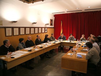 """El ple de Cassà de la Selva, va aprovar una moció de suport a """"Diem pou"""" a favor de la insubmissió fiscal dels municipis EL PUNT AVUI"""