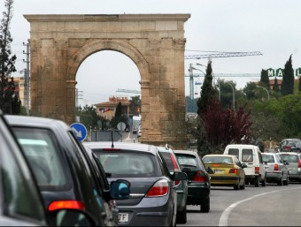 Retencions a la carretera N-340 al seu pas per Roda de Berà, al Tarragonès ARXIU