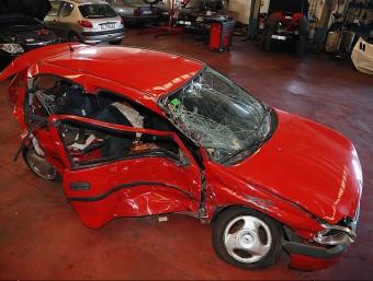 El vehicle en què anava la víctima va ser portat a Grues Mic de Palafrugell MANEL LLADÓ