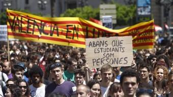 Concentració a València contra la política educativa que s'hi desenvolupa. EL PUNT AVUI