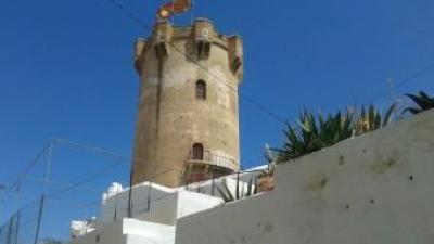 Nucli antic de la vila de Paterna amb la característica torre. EL PUNT AVUI