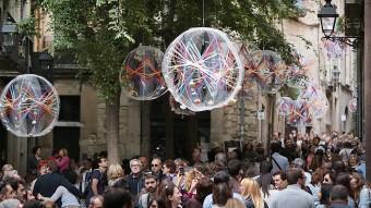 El carrer de la Força de Girona és un dels punts que més es col·lapsa en les jornades més massives que l'exposició de flors i no n'ha estat una excepció aquest any MANEL LLADÓ
