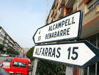 Una senyal de trànsit que indica la direcció cap a Alcampell ARXIU€