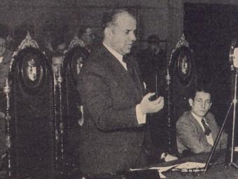 Joan P. Fàbregas en un parlament l'any 1932.  ARXIU