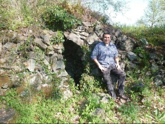 El geòleg Llorenç Planagumà veu una contradicció fragant entre el model de desenvolupament garrotxí i l'extracció d'hidrocarburs. J.C