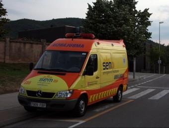 L'ambulància de Celrà que dóna servei durant la nit. ACN