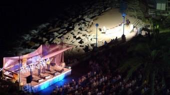 Imatge d'una actuació en una edició anterior del Festival d'Havaneres que se celebra a Sant Pol de Mar. PITU ESTOL