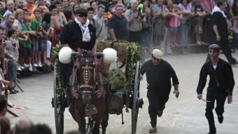 L'arribada dels portants d e l'aigua serà avui un dels actes més multitudinaris de la vigília de Sant Magí JOSÉ CARLOS LEÓN
