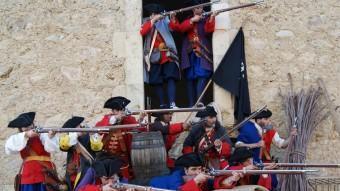 Una recreació de la batalla entre els Miquelets i els soldats borbònics. ASSOCIACIÓ CULTURAL LA FESTA DELS MIQUELETS