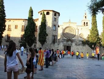 La cadena humana que es va celebrar a Sant cugat el passat 6 de juliol. Segons l'organització prop de 2.500 persones van participar-hi EL PUNT AVUI