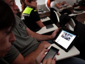 Les jornades sobre el twitter a les policies locals es va fer ahir a la sala de plens de Maçanet. JOAN SABATER