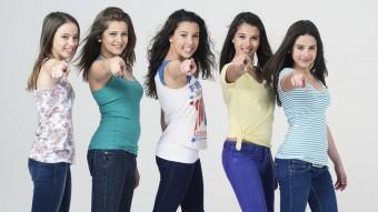 Les joves components del grup Macedònia estan disposades a donar-ho tot al concert de la Devesa de Girona. A canvi, esperen un públic entregat, com el de l'any passat LA FOTOGRÀFICA
