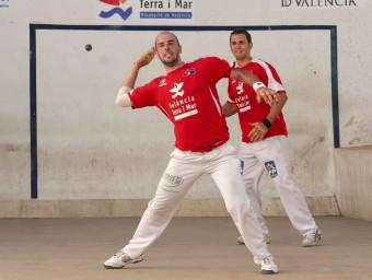 Boni i Josep tornen una pilota en una partida d ela Copa. FREDIESPORT
