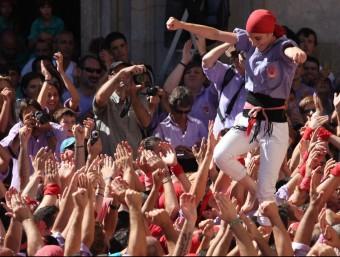 Castellers de la Colla Jove Xiquets de Tarragona , una de les colles cridades a ser protagonistes de la jornada del cap de setmana. E. MAGRE
