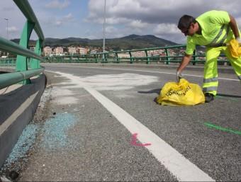 Un dels accidents, a la B-24 a Pallejà, on ha mort el conductor d'un tot terreny en bolcar amb el seu vehicle ACN