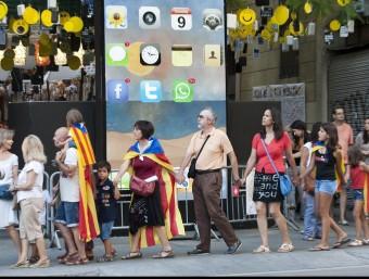 Assaig de la Via Catalana al barri barceloní de Gràcia, el 20 d'agost passat J. LOSADA / ARXIU