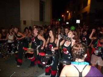 Actes com la Turinada, a una de les nits del Tura, atrauen molt de joves a Olot. J.C
