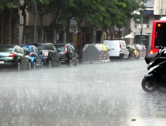 Un xàfec intens ha descarregat aquest dissabte a les quatre de la tarda al centre de Tarragona