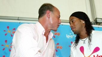 Corbalán, amb Ronaldinho, l'any 2005 EFE