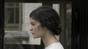 Audrey Tautou (dreta) i Gilles Lellouche (esquerra) en una escena de la pel·lícula GOLEM