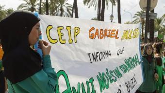 Alumnes de les Illes Balears protesten contra l'imposició del Tractament Integrat de Llengües. MONTSERRAT T. DIEZ /EFE