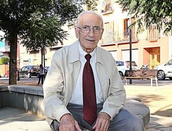 Salvador Sunyer a la plaça dels Peixos de Salt, en una imatge recent M. LLADÓ