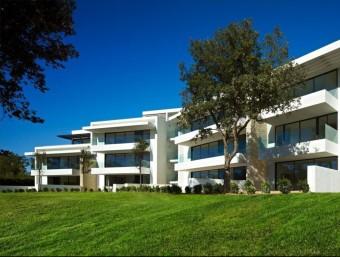 El PGA Catalunya Resort planeja acollir fins a 368 habitatges, a més dels camps de golf. EL PUNT AVUI