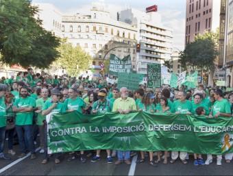 La comunitat docent i milers de ciutadans van sortir al carrer diumenge en contra la política educativa de Bauzá EFE