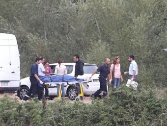 El cadàver de la víctima va ser localitzat divendres passat al matí al riu Muga, a Castelló d'Empúries. El va veure una veïna de la població que passejava el gos. Estava a prop d'un passallís, situat al camí de can Gorgot. JOAN CASTRO (ICONNA)