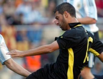 Gerard i Insúa es disputen una pilota en l'últim duel del granollerí amb Catalunya J. RAMOS