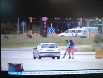 Una imatge del reportatge que s'ha emès al canal de televisió de Veneçuela, TeleSur. TURA SOLER