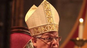 El Bisbe de Girona, Francesc Pardo llegint la homilia de Sant Narcís. J. SABATER
