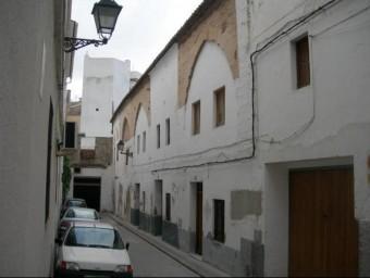 Façana de l'edifici on es pretén instal·lar el museu. EL PUNT AVUI
