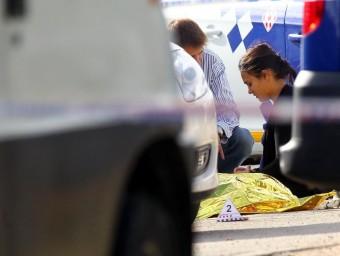 Un home gitano va ser abatut de 10 trets a la sortida del cementiri de Figures.  JORDI RIBOT/ ICONNA