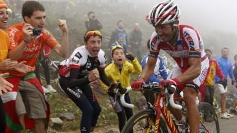 Purito Rodríguez en l'ascens a l'alt de Langliru EFE