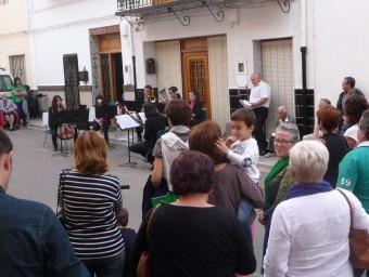 Passeig musical per alguns indrets del poble. ESCORCOLL